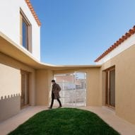 Puppeteers House by REDO Architects