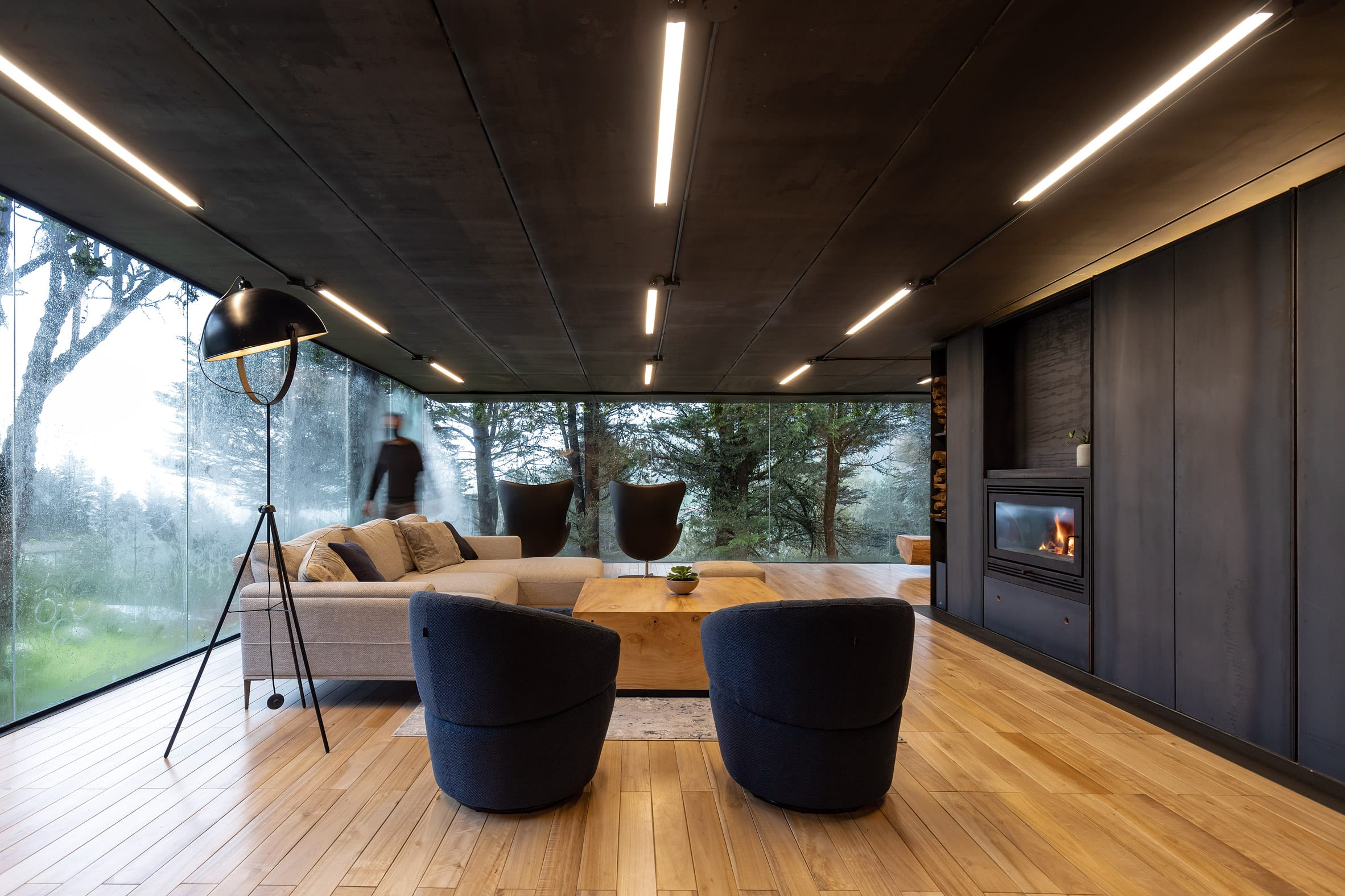 Living space in glass extension