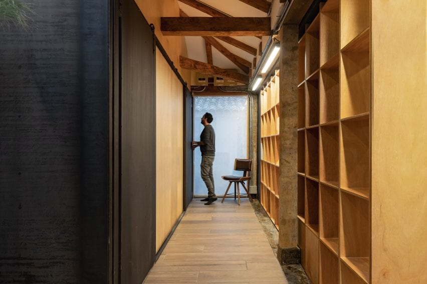 Plywood storage unit