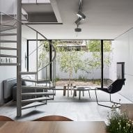 """Studio Four opens up """"dark and compartmentalised"""" 1970s residence in Melbourne"""