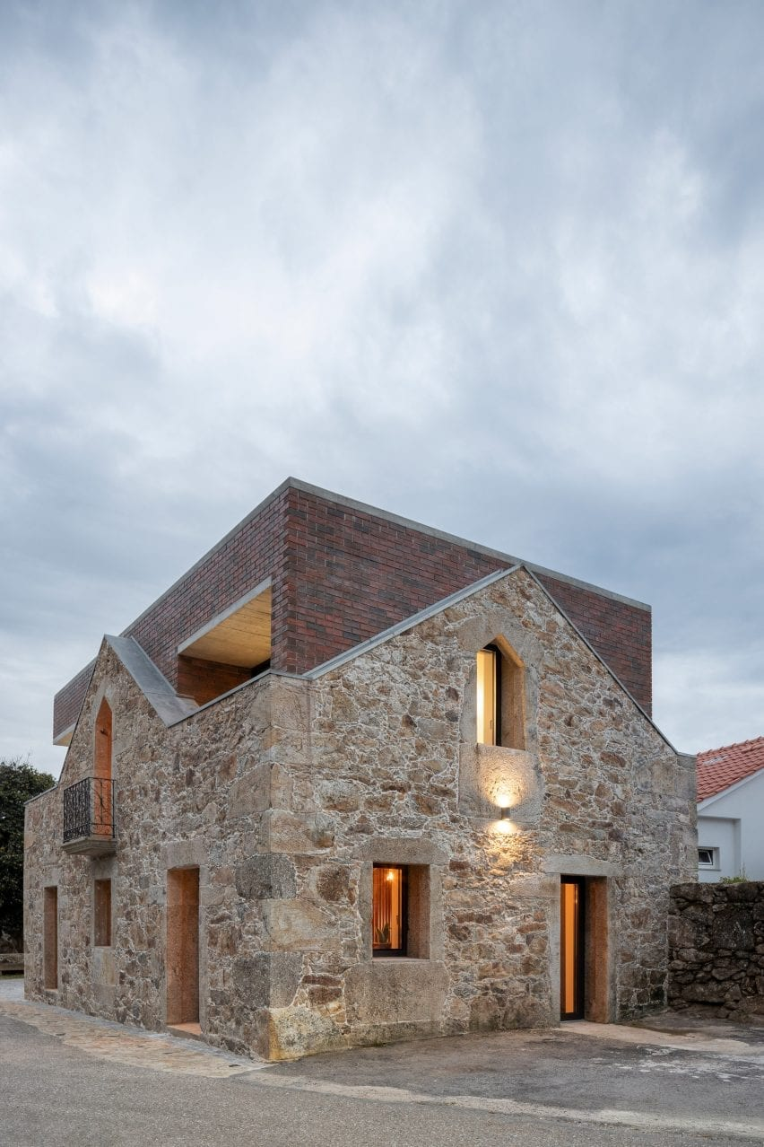 Tiago Sousa added balconies within the volume