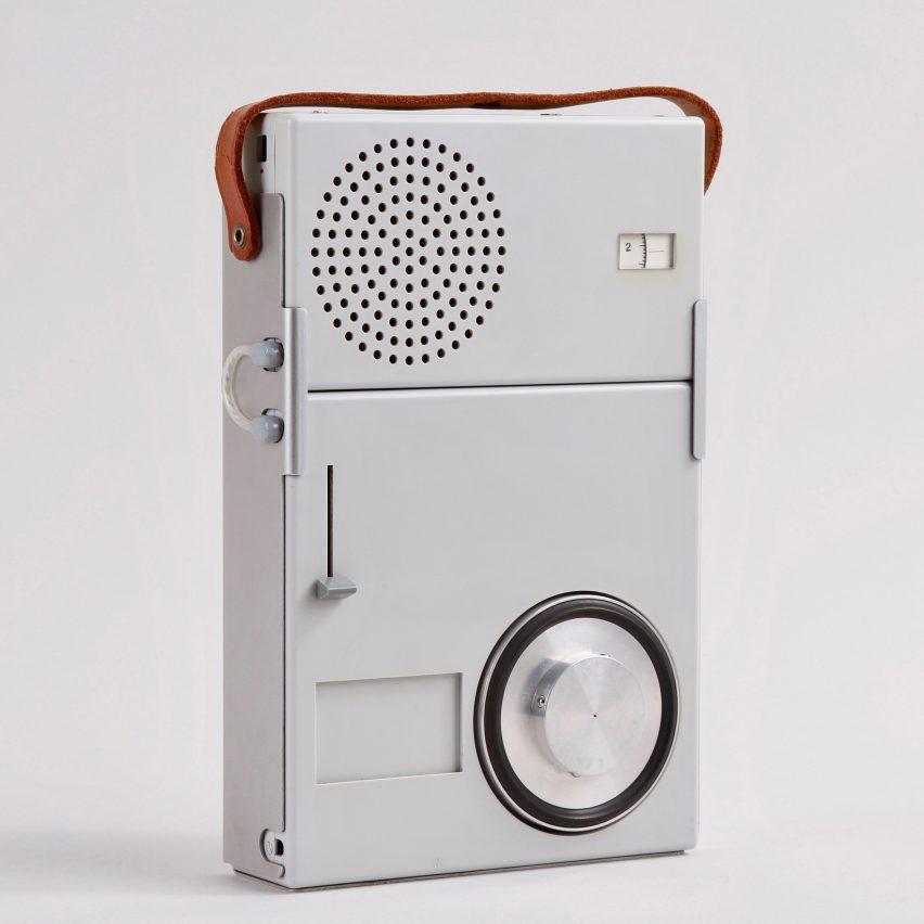 A grey Braun TP1 radio