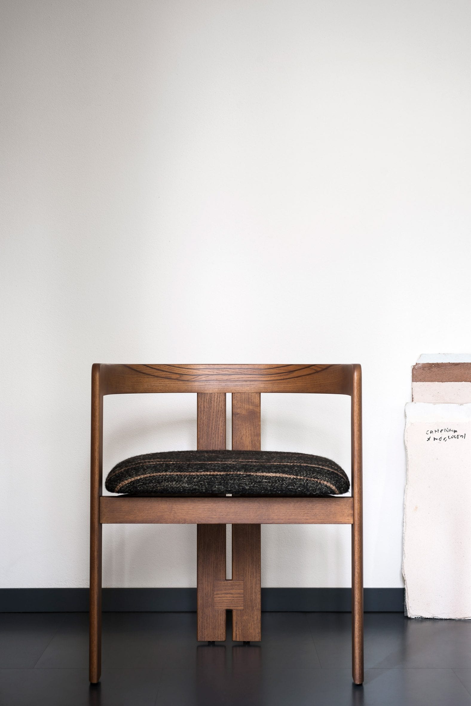 Walnut Pigreco chair by Tobia Scarpa with a black upholstered seat