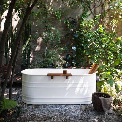 Vieques Outdoor bathtub by Patricia Urquiola for Agape