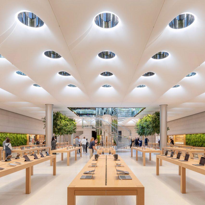 Digital sculptor at Apple in Cupertino, California