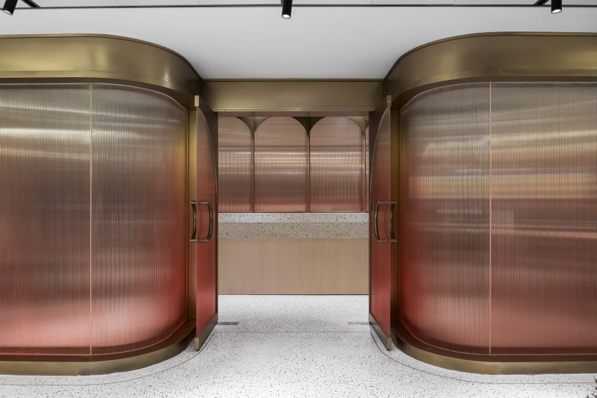 Corrugated ombre glass walls in Jiaming Dining Hall