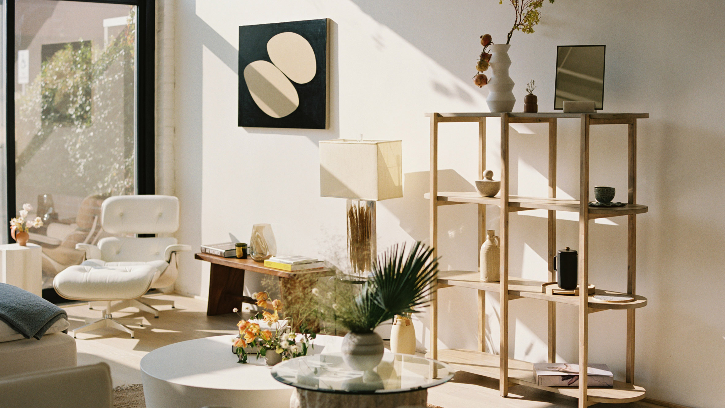 How to make the living room more elegant with Japandi style