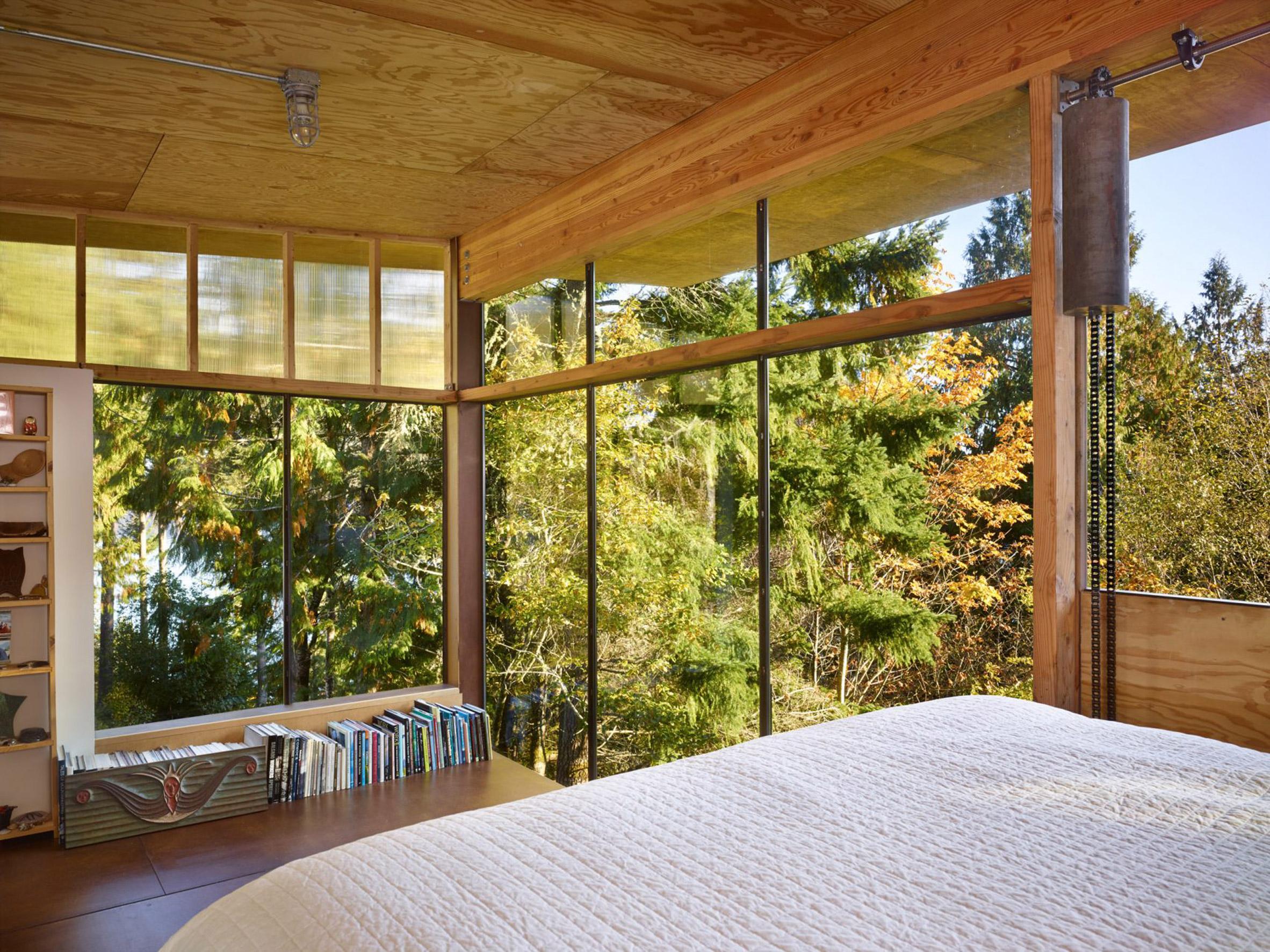 recycled cabin bedroom by studio les eerkes