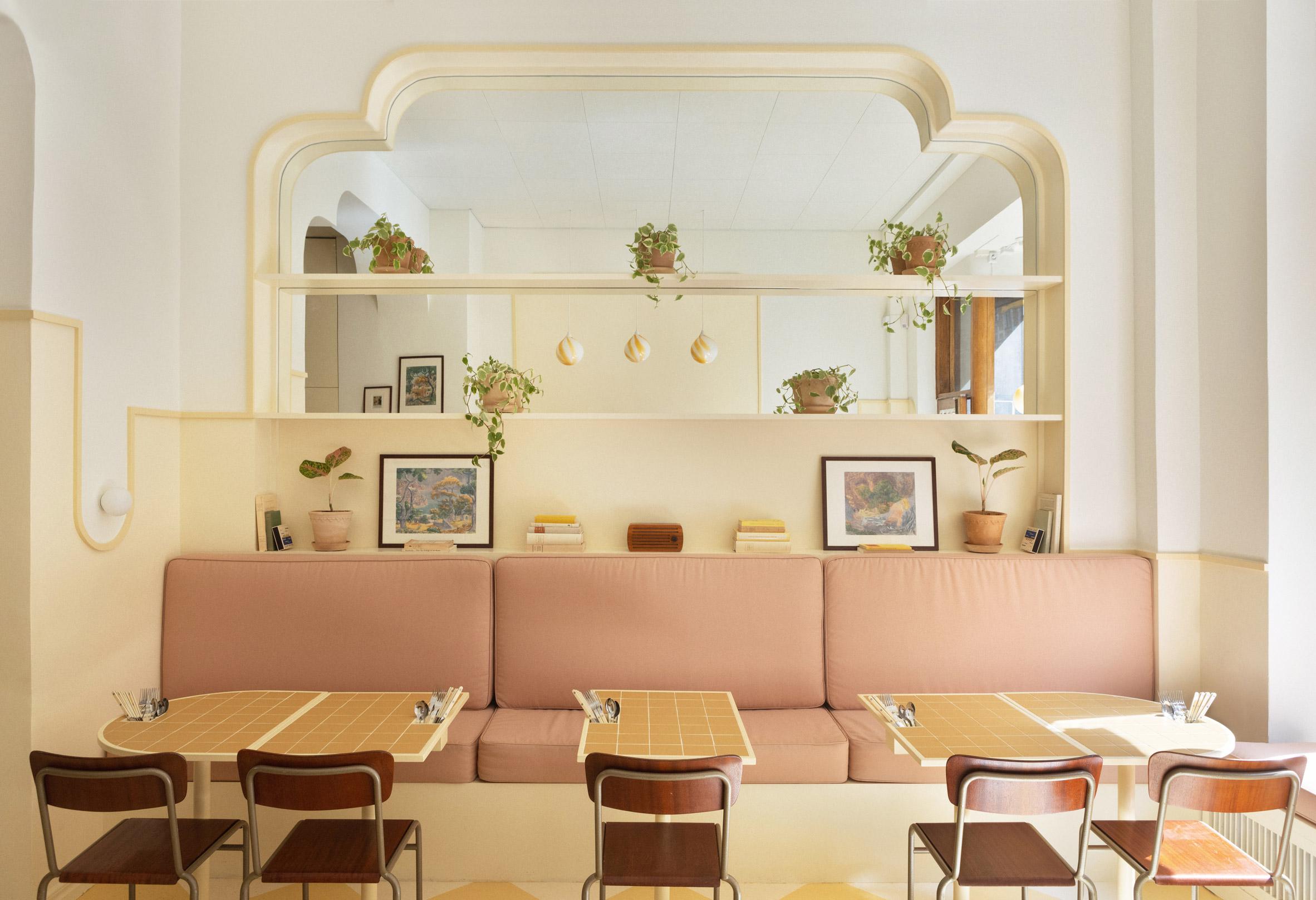 Interior of Cafe Bancado