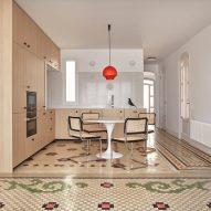 DG Arquitecto adds minimalist interventions to historic Valencia apartment
