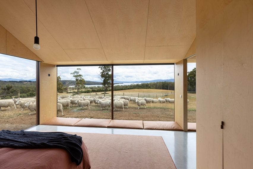 floor-to-ceiling windows were placed in the bedrooms