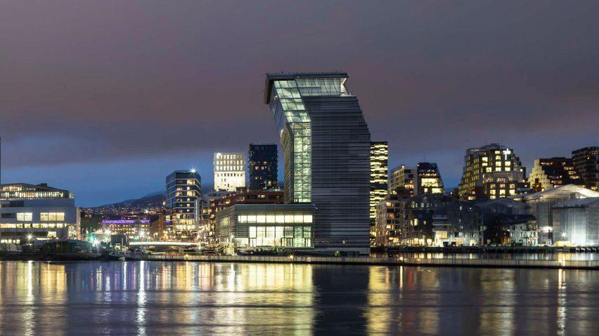 Bảo tàng Munch trên bờ sông Oslo