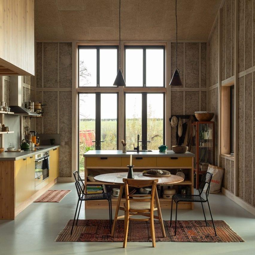 Flat House kitchen