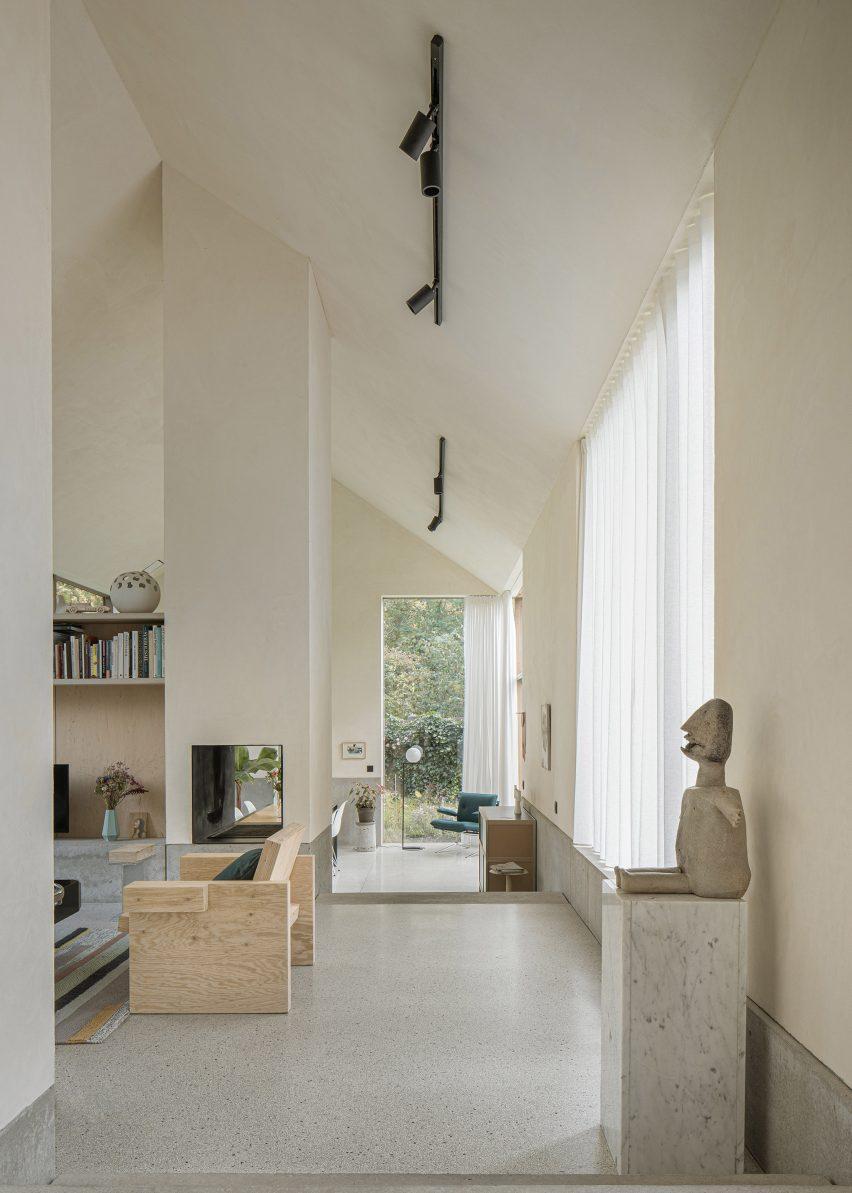 B-L house has neutral interiors