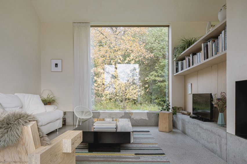 B-L space features large square windows