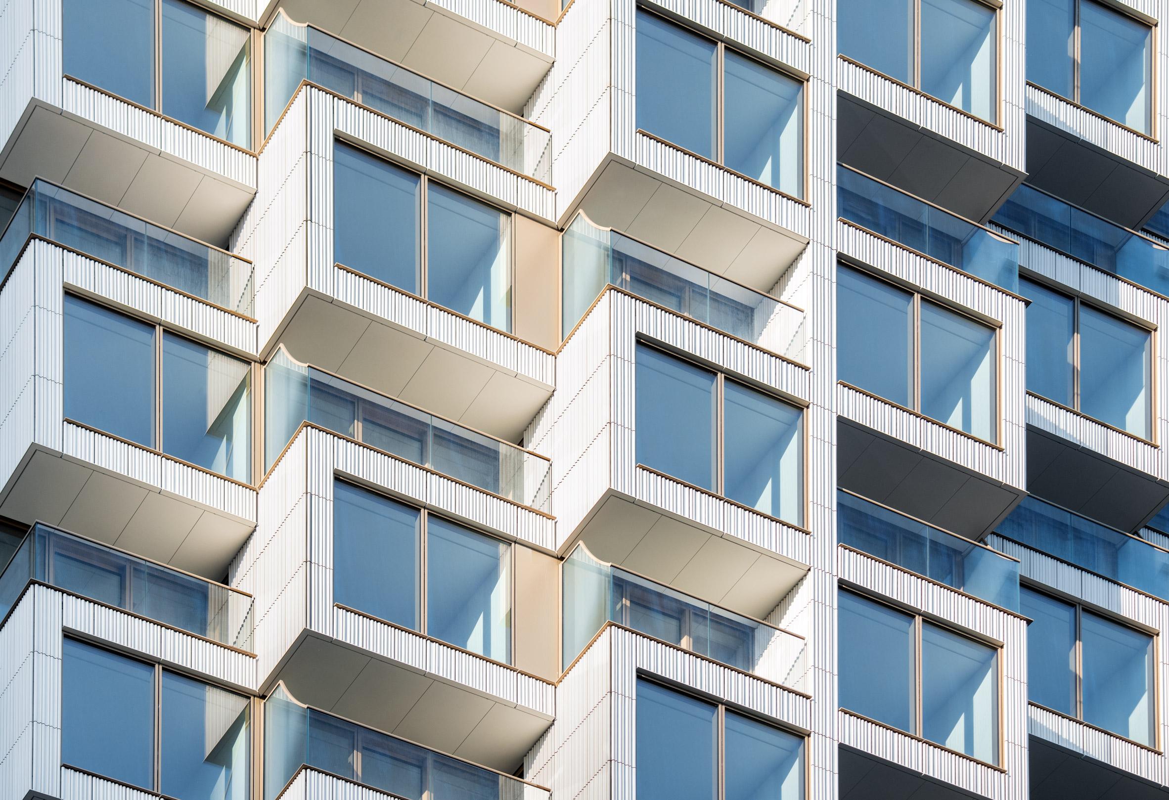 Blocky apartments in London skyscraper