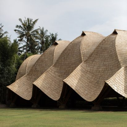 It has an undulating roof