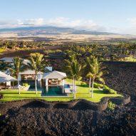 Hawaiian villa by De Reus Architects sits atop a crystallised lava flow