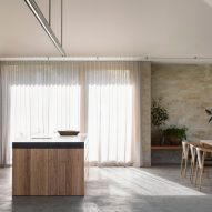 An open-plan kitchen and dining room