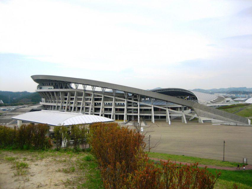 Стадион Мияги от Шоичи Харю и Хитоши Абэ