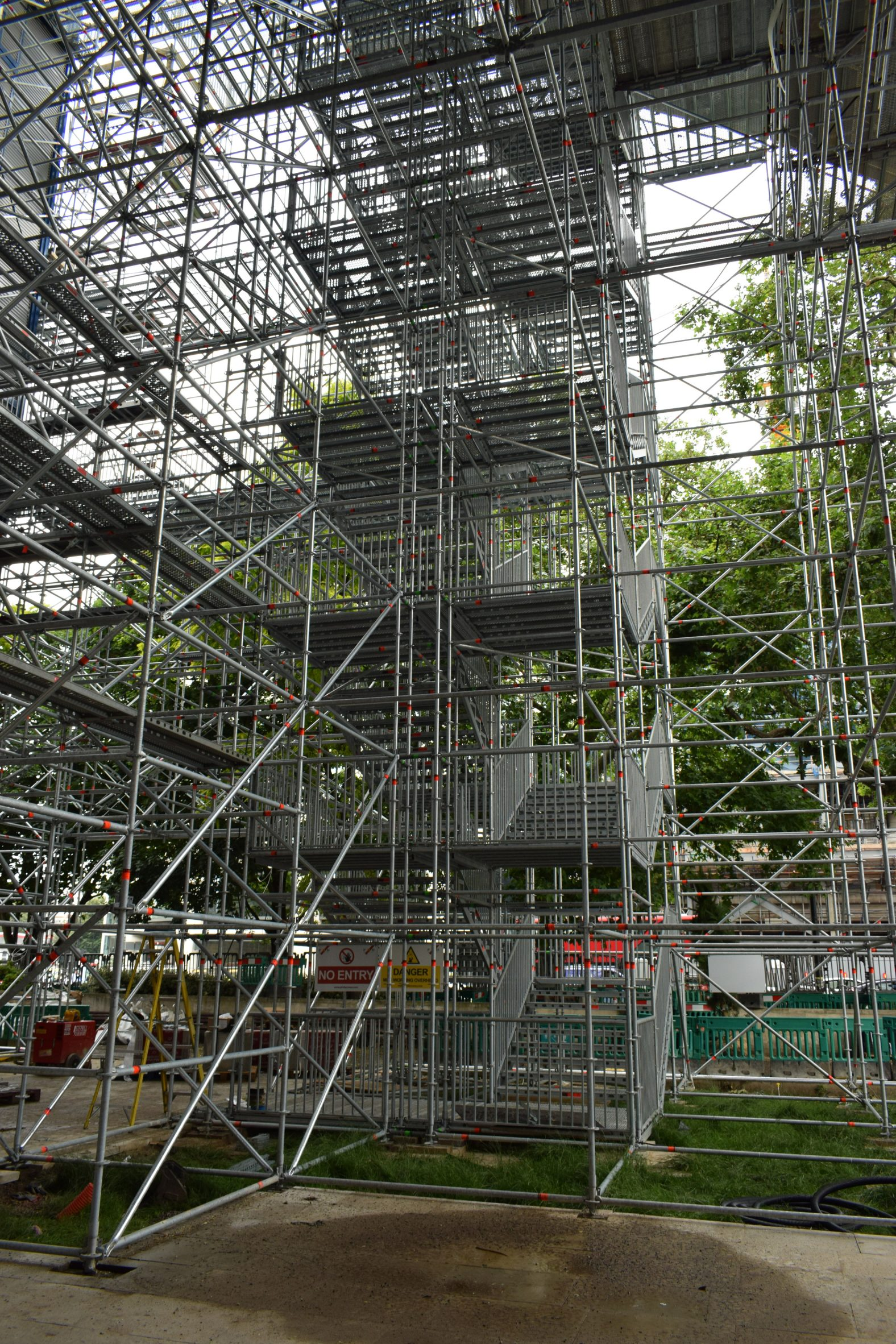 Scaffolding structure of the viewpoint in London