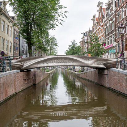 3D-printed stainless steel MX3D Bridge in Amsterdam