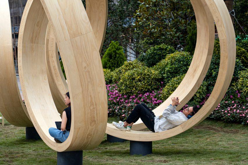 people lying on time loop