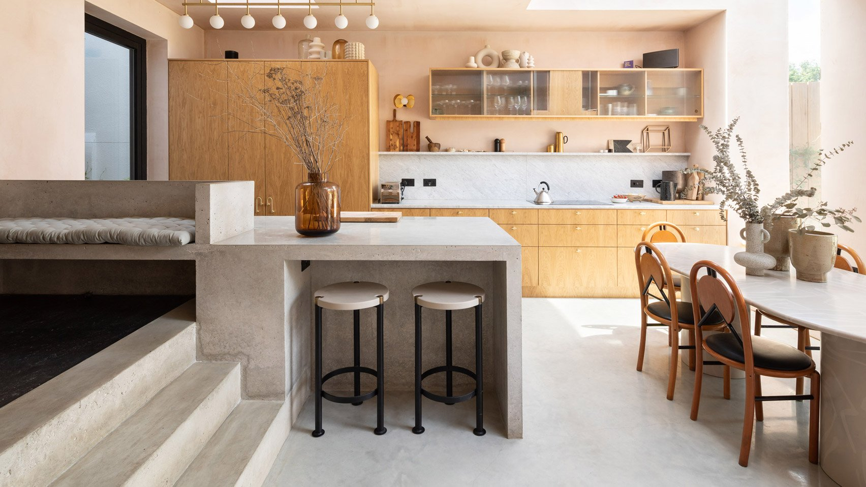 The Dezeen guide to kitchen layouts