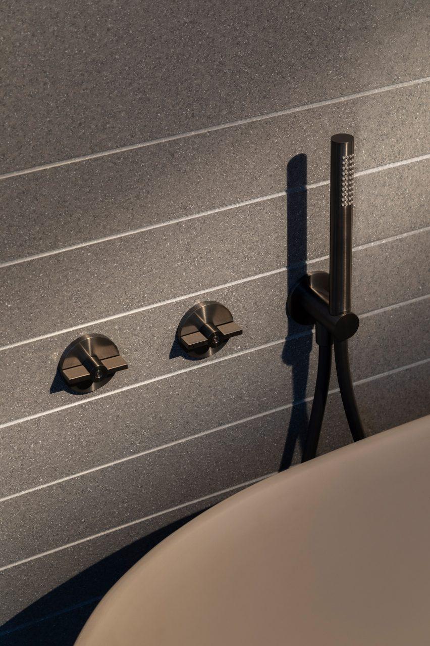 Valvola01 stainless steel showerhead