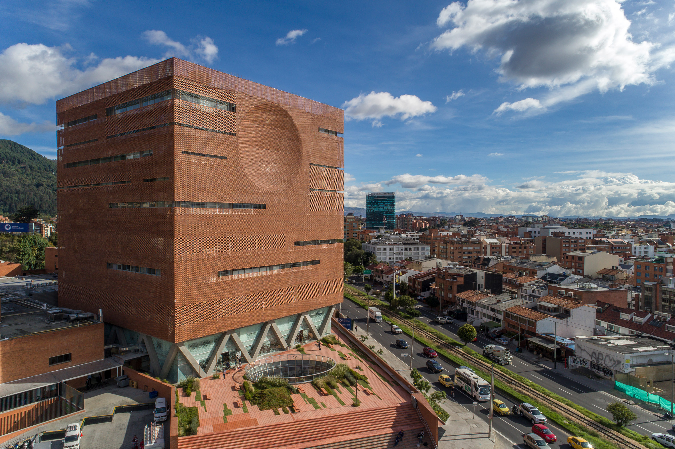 Expansion of the University Hospital, Colombia