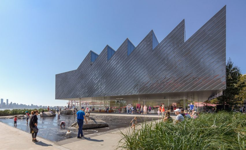 The Polygon Gallery, Canada