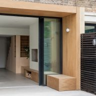 A wooden extension by Yellow Cloud Studio