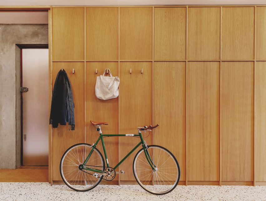 Entrance with oak cupboards to St John Street Warehouse Apartment by Emil Eve Architects