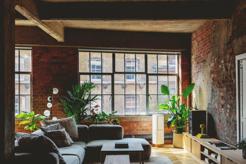 Living room windows in St John Street Warehouse Apartment by Emil Eve Architects