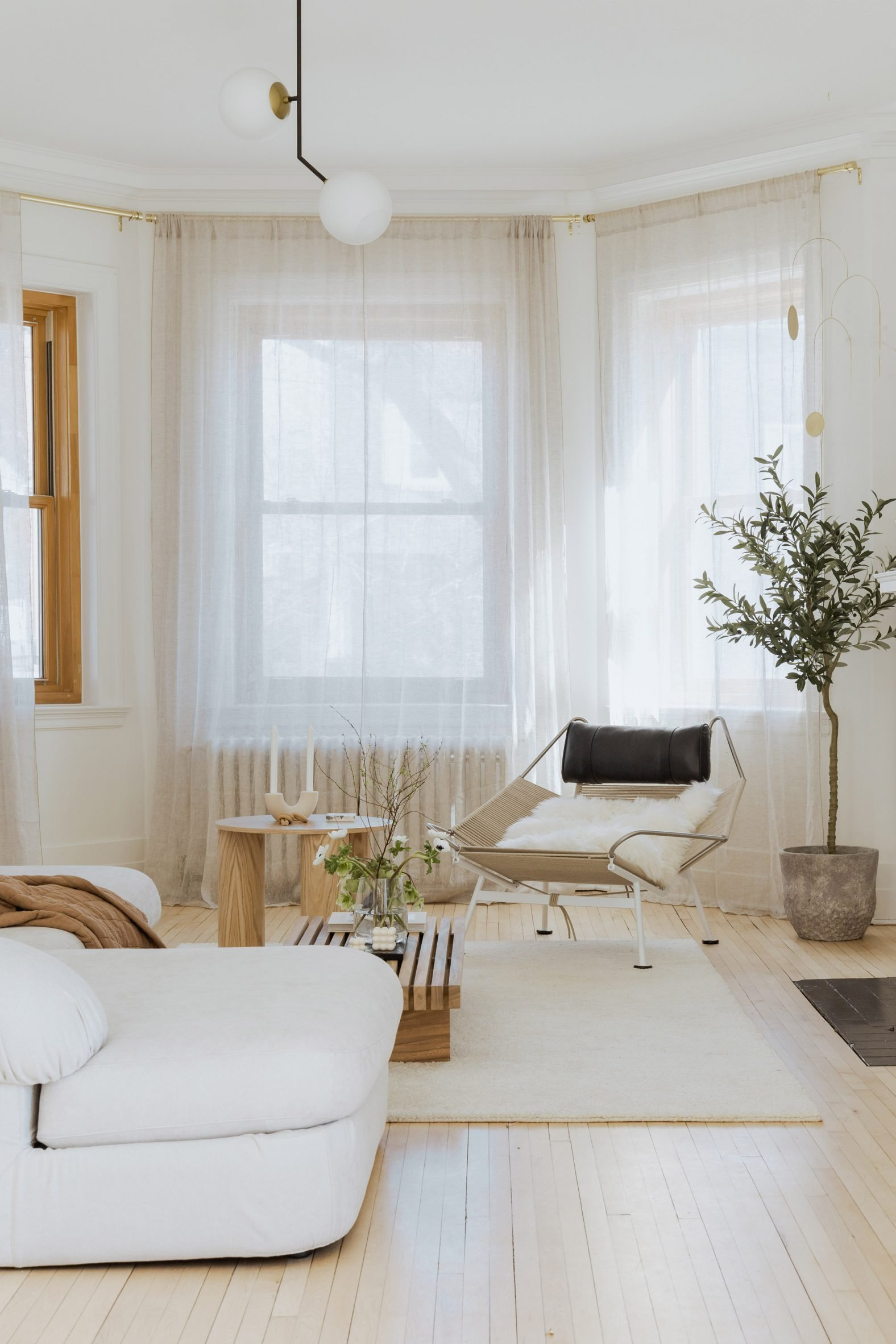 Bright Scandinavian living room in Montreal