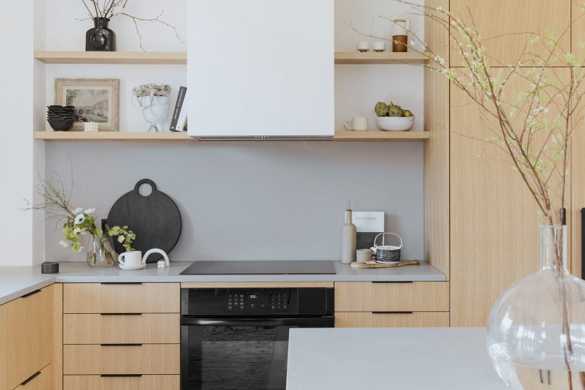Wooden kitchen cabinets Montreal