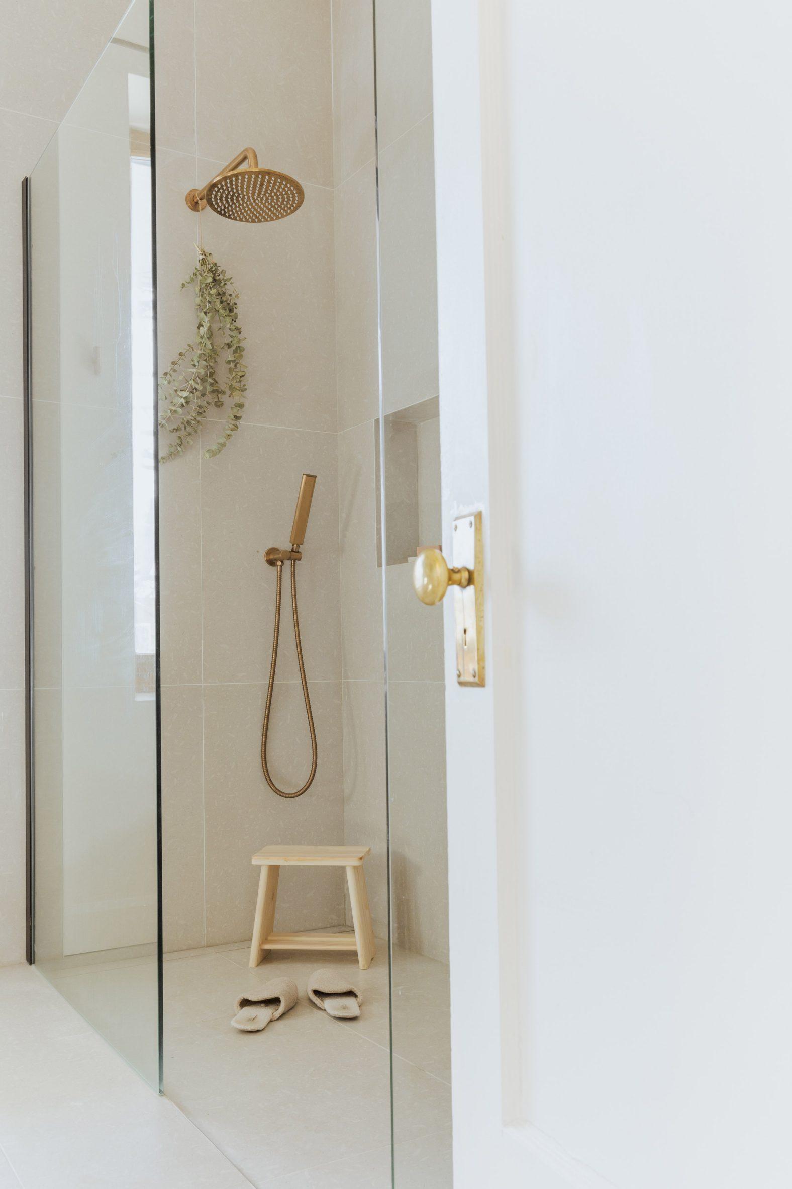 Bathroom renovation shower tile Montreal