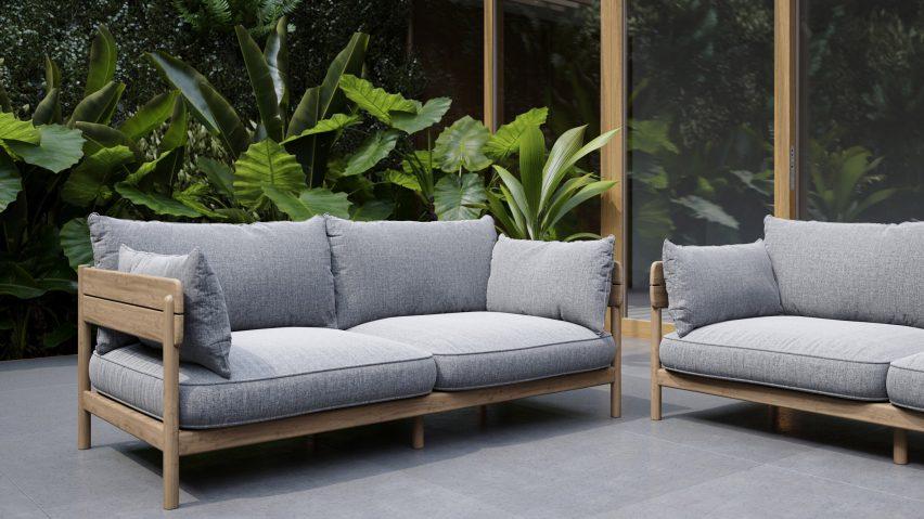 Tanso sofa by David Irwin for Case Furniture