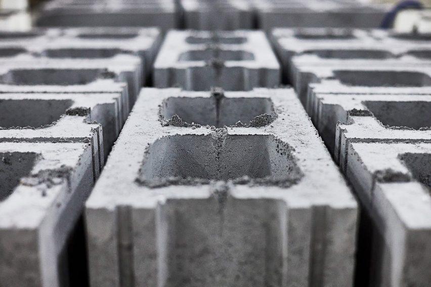 Carbon storing concrete bricks