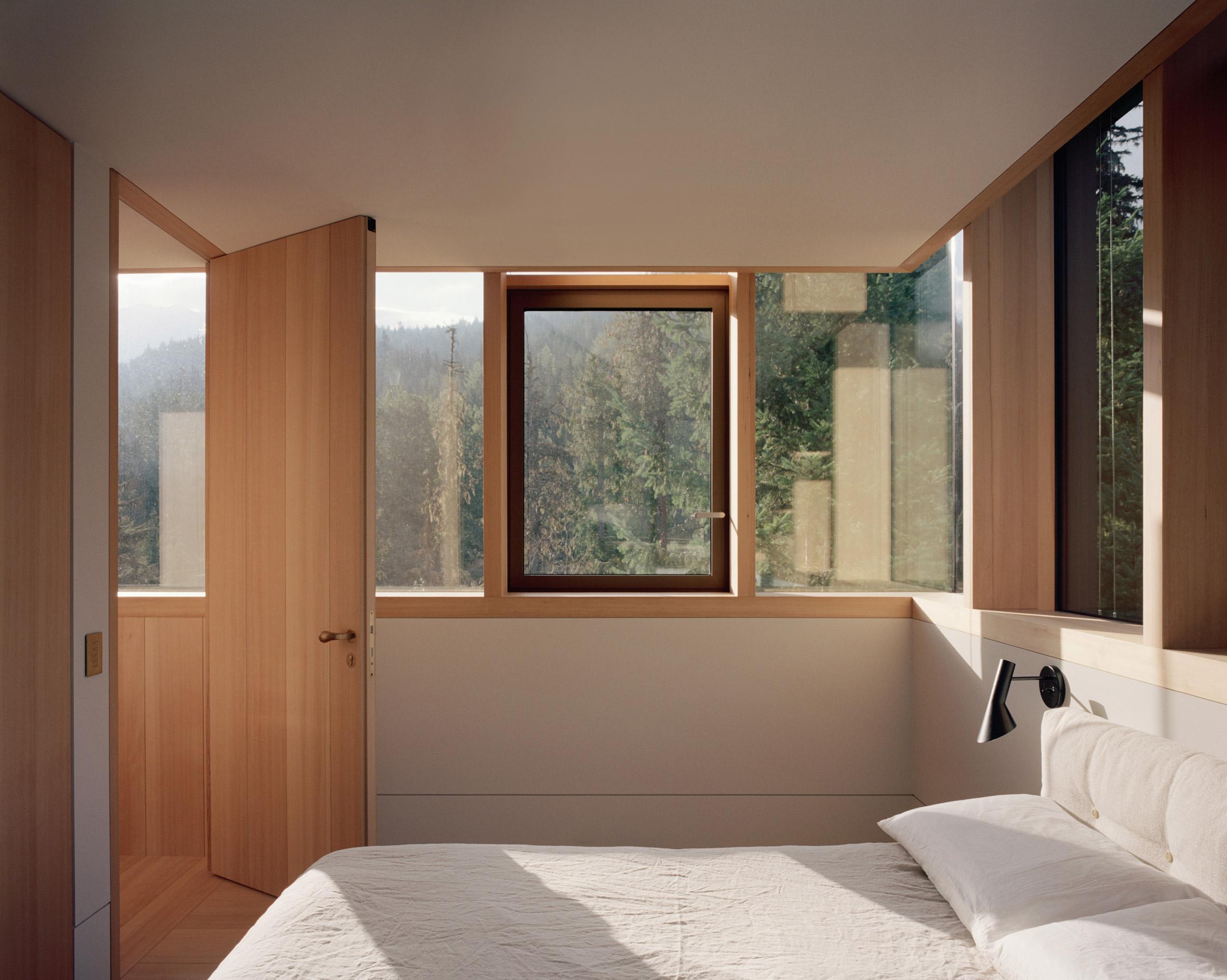 Bedroom, The Rock house in Whistler by Gort Scott