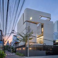 Kuanchanok Pakavaleetorn creates inward-facing family home in Bangkok