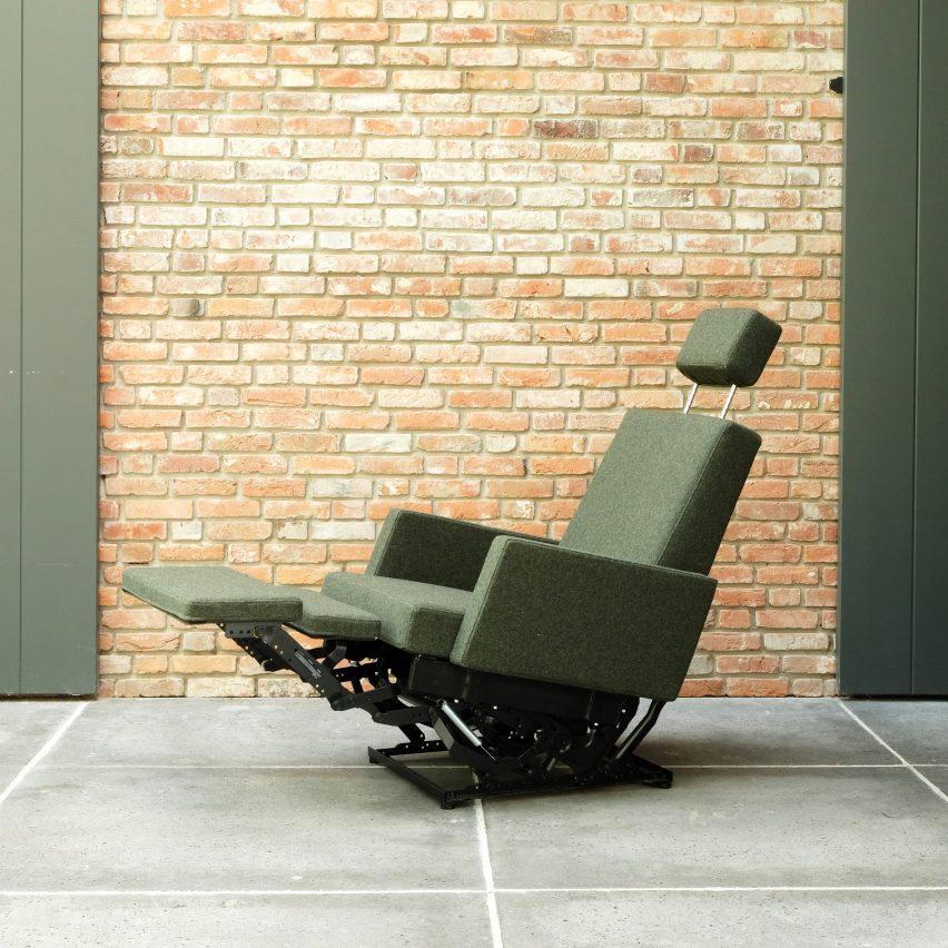 AVL Lazy Modernist chair by Joep van Lieshout for Lensvelt