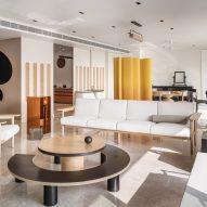 Mumbai apartment by The Act of Quad