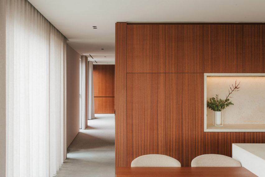 A penthouse broken by wooden partitions