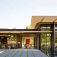 California Meadow House by Olson Kundig