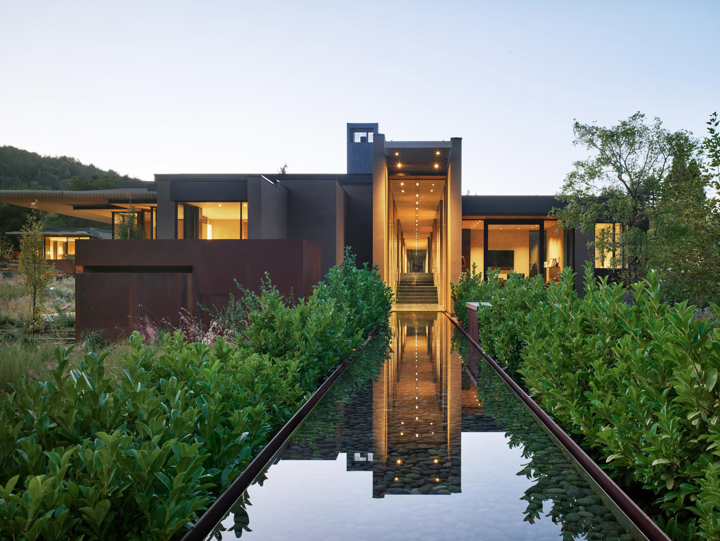 Reflecting pools in the residence
