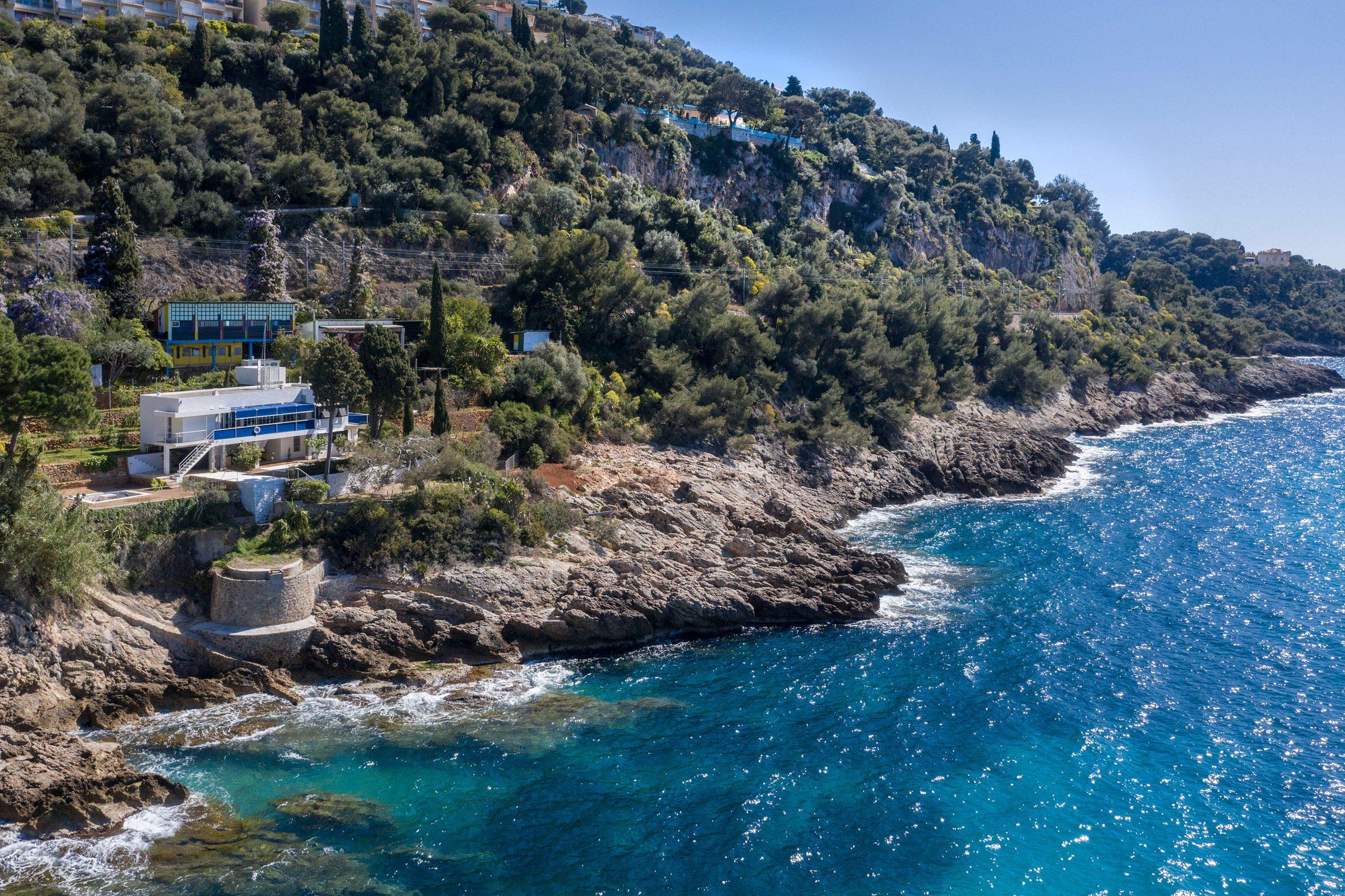 Modernist villa on Côte d'Azur