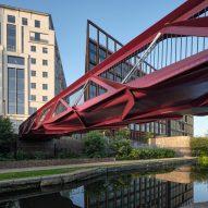Esperance Bridge creates new walking route into London's Coal Drops Yard