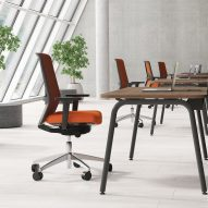 Round desk system by Narbutas