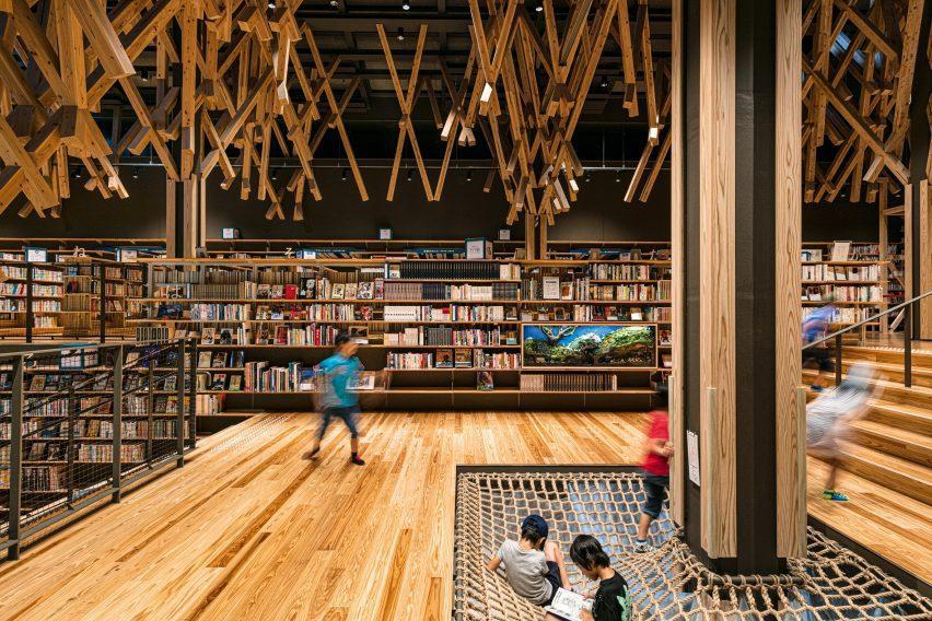 Yusuhara Commu-nity Library by Kengo Kuma
